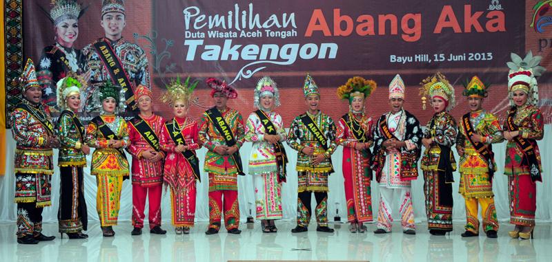 Para finalis Duta Wisata Aceh Tengah berikrar bantu promosi wisata Aceh Tengah. (LGco | Eed)