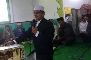 Ustadz Irwansyah memberikan ceramah pada pengajian BKMT Jagong di Mesjid Jamik Al-Muttaqin Kp.Gegarang.(LGco.alfakir)