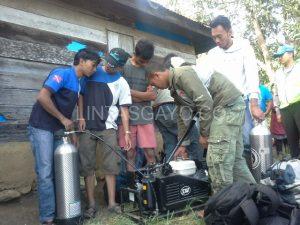 Anggota GDC menyiapkan alat Scuba Diving