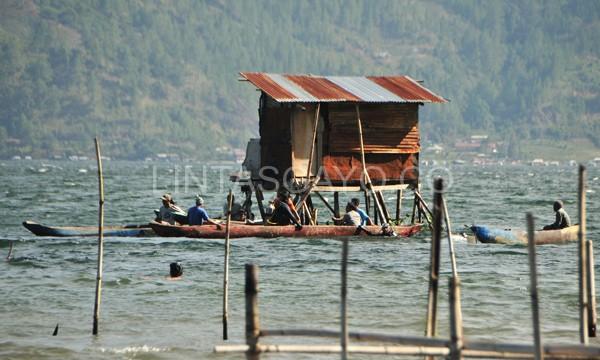 Gubuk pemacingan ikan (Pepantaran:Gayo-red) tempat korban dan abangnya memancing.