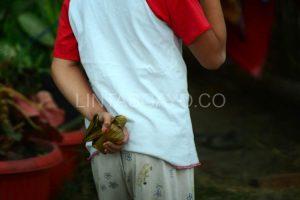 Lepat Gayo dijadikan jajanan bagi anak-anak. (LGco-Muna)