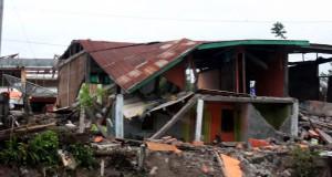 Pemko Banda Aceh Serahkan Bantuan Gempa Gayo Rp200 Juta