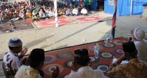 Korban Gempa Kute Gelime Larut dalam Zikir
