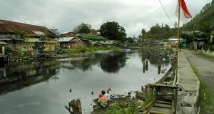 [Essay Foto] Sungai Peusangan Kering dan Jorok
