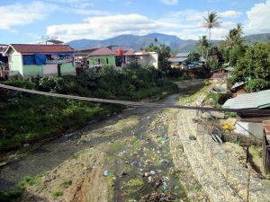 Sungai Nampaan yang berada di antara Desa Penampan dan tempat nongkrong masyarakat Gayo Lues juga terlihat mengering. (LGco-Supri Ariu)