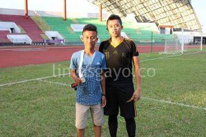 Ilham Zulhari (kanan) saat berada di Stadion Harapan Bangsa Banda Aceh.(LGco-Istimewa)