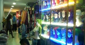 Malam Minggu Terakhir, Pasar Aceh Padat