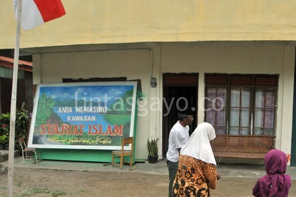 Merah Putih di depan rumah warga Dedalu Takengon. (Kha A Zaghlul)