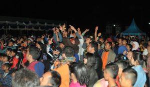 Penonton di konser Spirit of Gayo Kandar SA dan kawan-kawan. (Kha A Zaghlul)