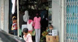 Di Takengon, Toko Alat Sekolah Diserbu Pembeli