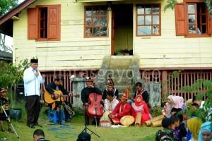 Bupati Aceh Tengah, Ir, H, Nasaruddin saat sampaikan pidato apresiasinya. (Munawardi)
