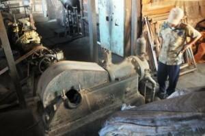 Mesin penggilingan kopi peninggalan Aman Kuba. (Khalis)