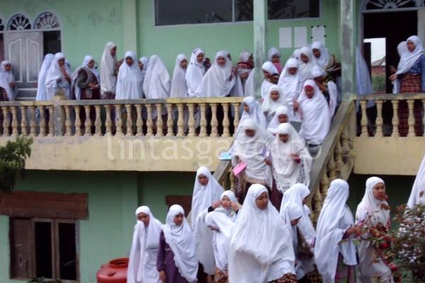 Kegiatan keagamaan di Ponpes Bustanul Ulum Buntul Kemumu.(LGco-Rahman)