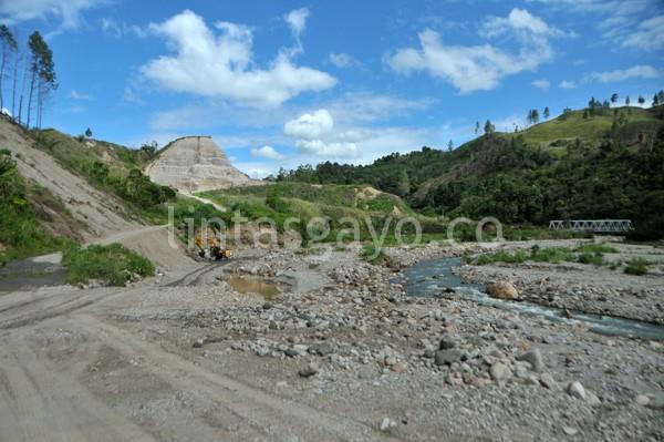 Areal penggalian dan pengolahan material pasir dan batu di Totor Pelang Wih Pelang. (Kha A Zaghlul)
