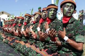 Ilustrasi : Tari Saman dimainkan oleh prajurit TNI. (Doc. LGco)