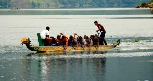 [Essay Foto] Latihan Dayung di Teluk Rawe – Danau Lut Tawar
