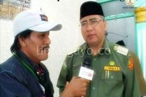 Pelawak dan Host AcehTV bersama bupati Aceh Tengah (Foto:Ist.)