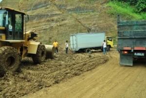 Proses pembangunan jalan Cot Panglima tahun 2013. (LGco-Kha A Zaghlul)