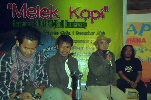 "Kru film dokumenter ""Biji Kopi Indonesia di Wapres Takengon, 1 Desember 2013). (Edy.L)"