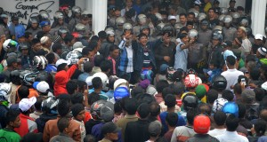 Unjuk rasa di Takengon lukai 4 orang