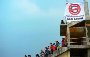 Himbauan Anti Golput di arena pacuan kuda Belang Bebangka Pegasing. (LGco-Munawardi)