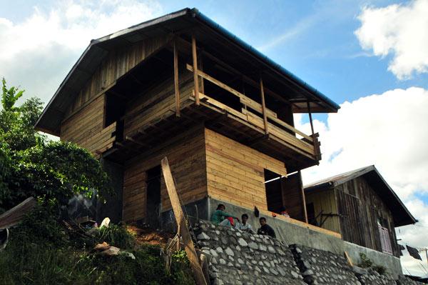 Rumah warga korban Gempa Gayo di kecamatan Kute Panang hampir rampung. (LGco_Kha A Zaghlul)
