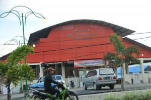 Pasar Pagi Paya Ilang sepi. Foto diambil Jum'at 25 Juli 2014.