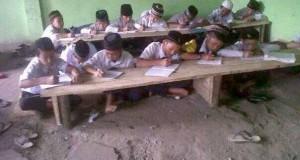 Sekolah MTs Swasta Singah Mulo Bener Meriah masih belajar di lantai