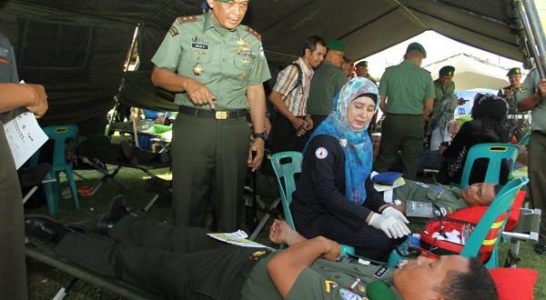 HUT TNI ke-69 Kodam IM gelar donor darah dan pengobatan massal