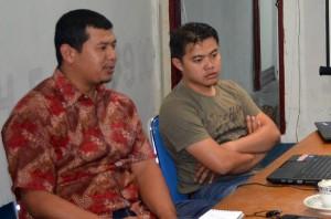Gunawan Tawar (kiri) dan rekannya Fery Julianto. (Foto : Feri Yanto)