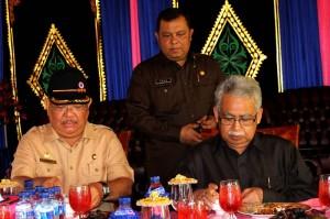Gubernur dan Bupati Aceh Tenggara bersantap siang