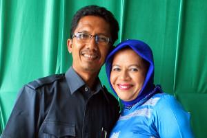 Kak Mas dan suaminya. (LGco_