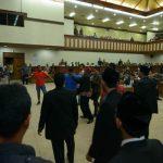 "Sidang paripurna soal ""ketua"" DPR Aceh rusuh"