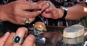 Penjual Gagang Cincin di Takengon Punya Omzet Memuaskan