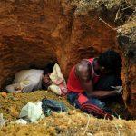 Nguruk luang : Menggali lubang
