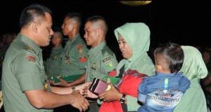 Dua Prajurit Kodim 0103/Aceh Utara Terima KPLB Anumerta dari Kasad