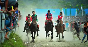 Perdana di Final Pacuan Kuda HUT ke-439 Kota Takengon, Kelas AB akan Dipacu Bersama!