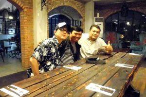 Penulis (tengah) bersama KIn Aulia (kiri) sama-sama berasal dari Isak bertemu di Jakarta