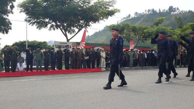 Pasukan Brimob Polda Aceh juga turut melakukan defile. (Foto : Aris)
