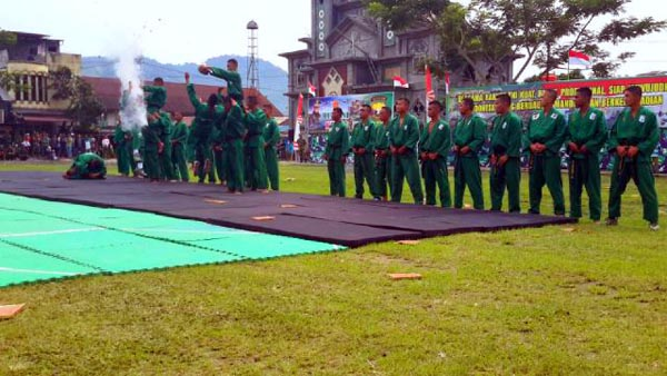 Atraksi bela diri yongmoodo oleh prajurit TNI. (Foto : Aris)