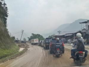 Jalan Licin di Area Longsor Jalan Takengon-Bireuen