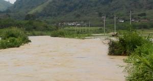 [Foto] Luapan Sungai Peusangan Rendam Persawahan di Karang Bayur