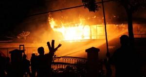 [Foto] Kebakaran Satu Unit Rumah di Asir-Asir Atas