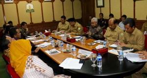Gubenur minta RUU Miras tak lemahkan Qanun Jinayat di Aceh