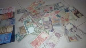 Uang rupiah edisi tahun lama koleksi Yuliani (Ist)