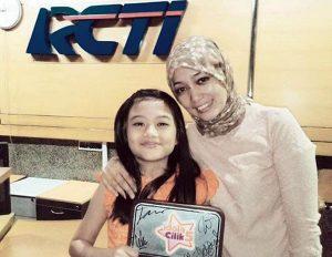 Tyara Raffanaura bersama ibunya Aprina Fariona