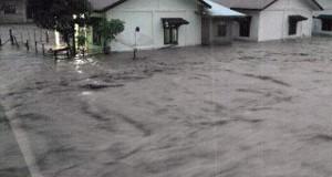 Banjir Besar Landa Laweung Pidie, Sekolah Diliburkan