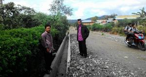 Dana Desa 2015, Pantan Damar Bangun Drainase, Jalan, dan MCK