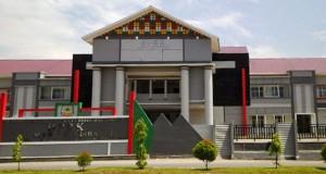 Baru Dibangun Gedung DPRK Agara Bocor dan Retak