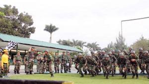 Panglima Kodam IM, Mayjen TNI Agus Kriswanto     melepaskan bendera start peserta uji Ton tangkas
